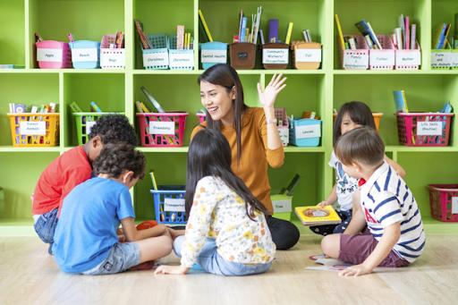 Teacher communicating with kids