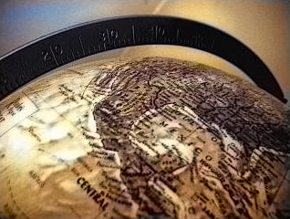 picture of a globe: calculating circumference of earth