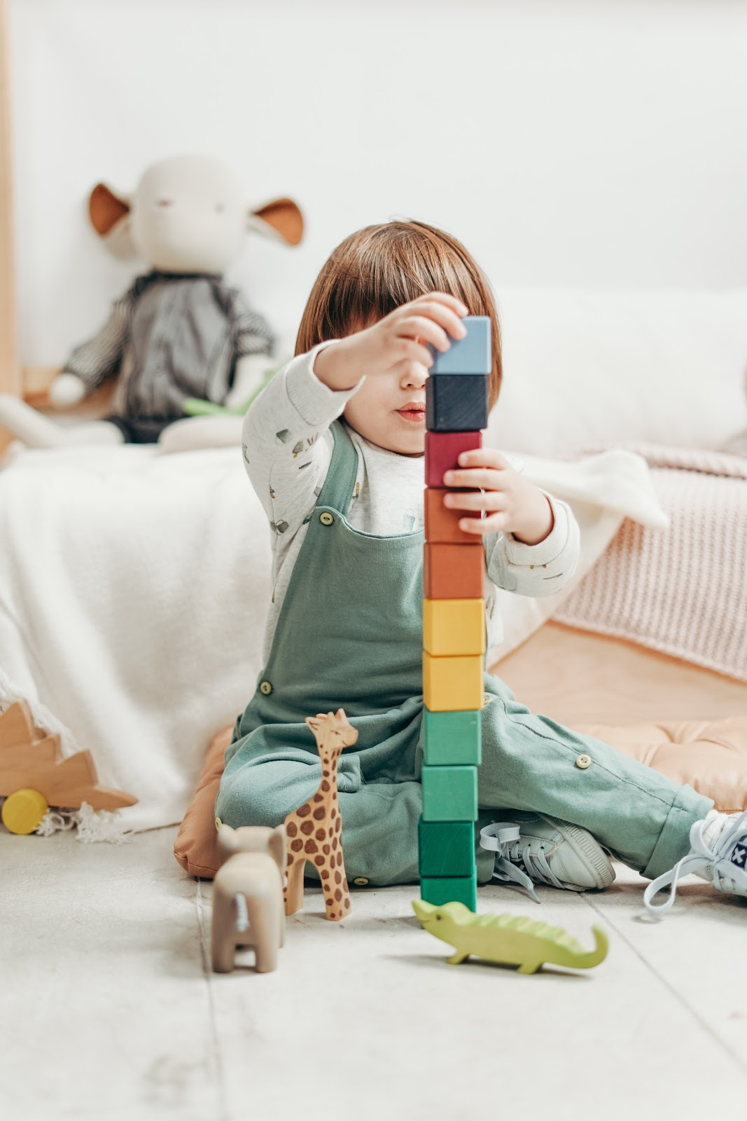 Educational Fun Activities for Kids, Child learning with games