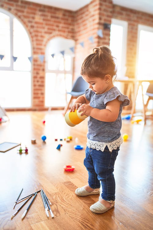 Montessori Method, how it differs from Cuemath: child choosing activity