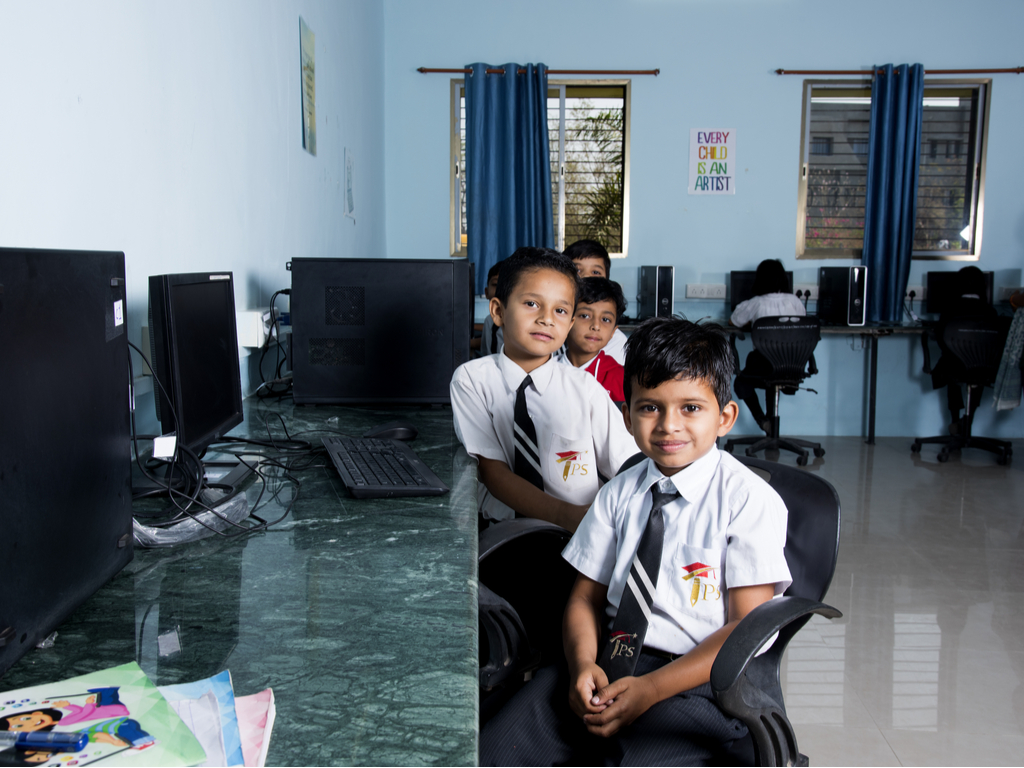kids with computers